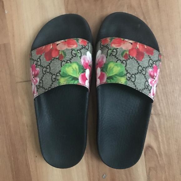 9e246d1b7794 Floral Gucci Slides. M 5a5006c0739d489144012249